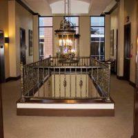 atrium-railling