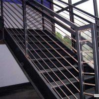 modern-stairway-Brentwood
